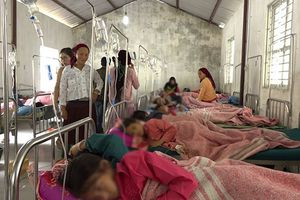 150 học sinh tiểu học tại Hà Giang nhập viện nghi bị ngộ độc