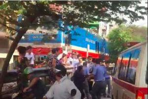 Hà Nội: Lao qua đường sắt, người đàn ông bị tàu hỏa tông tử vong tại chỗ