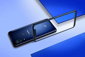 Chi tiết smartphone chip S845, RAM 6 GB, chống nước