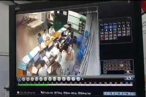 Nữ y tá bị đấm vào mặt, lãnh đạo bệnh viện nói 'không đáng kể gì'