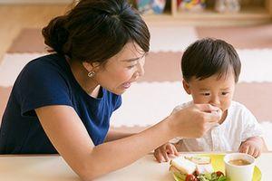 Làm gì để giúp trẻ hết mệt mỏi, biếng ăn?