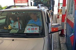Dùng phù hiệu xe hộ đê giả có thể bị xử lý hình sự