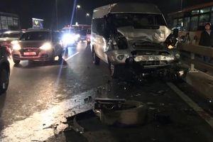 Danh tính tài xế dừng sửa xe bị tông chết trên cầu Nhật Tân