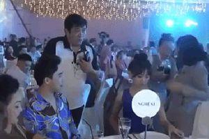 Trấn Thành khó chịu khi Hari Won bị đổ nước lên người trong sinh nhật Đàm Vĩnh Hưng