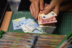 Kinh tế Khu vực sử dụng đồng tiền chung euro có dấu hiệu mất đà