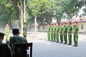 Thuần thục kỹ năng điều lệnh đội ngũ mới trong Công an nhân dân