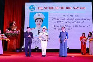 'Bông hồng thép' của Công an Hà Nội - một trong 10 gương mặt phụ nữ Thủ đô tiêu biểu năm 2018