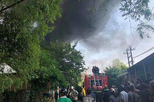 Cháy lớn tại phân xưởng rộng 4.000m2 ở Huế