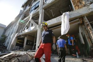 Nóng nhất hôm nay: Dùng thiết bị đặc biệt, phát hiện dấu hiệu người sống trong đổ nát ở Indonesia