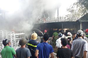CLIP: Hiện trường vụ cháy nổ tại xưởng đan ở Huế