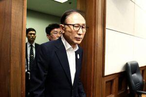 Cựu Tổng thống Hàn Quốc Lee Myung-bak lĩnh 15 năm tù giam vì tham nhũng
