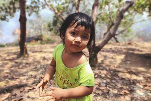 Những đứa trẻ khắp Việt Nam: Bé Hân và mùa điều năm lên 4