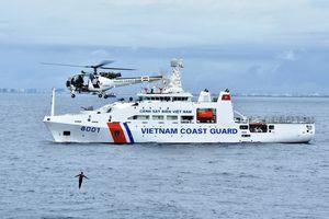 Xem tàu Cảnh sát biển 8001 diễn tập chống cướp biển tại Ấn Độ