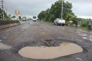 Cận cảnh đoạn Quốc lộ 1A 'xấu nhất nước' sau 3 ngày mưa