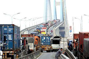 Ùn tắc giao thông, mỗi xe container thiệt hại 1,5 triệu đồng/ngày