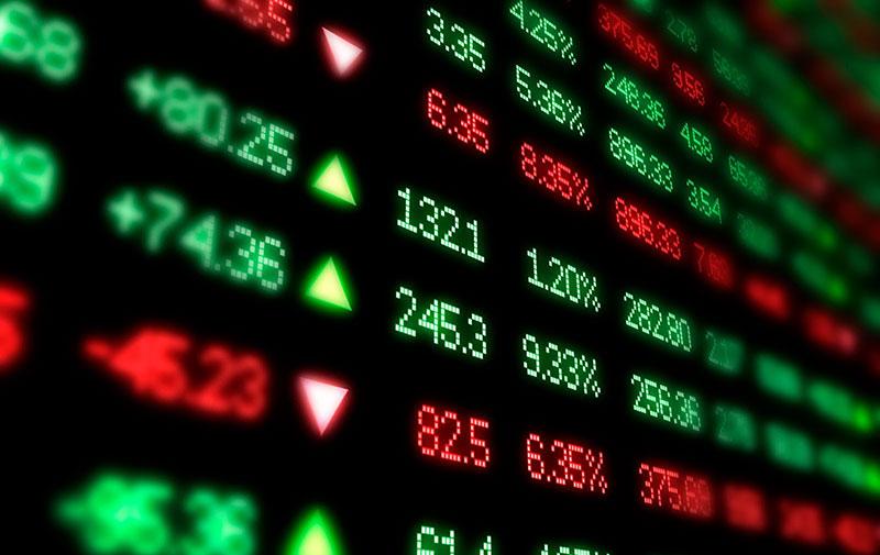 Chứng khoán bất ngờ giảm sâu, thanh khoản tăng vọt