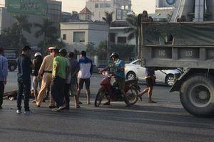 Thiếu nữ tử vong sau va chạm với xe tải, lái xe vội vàng bỏ trốn