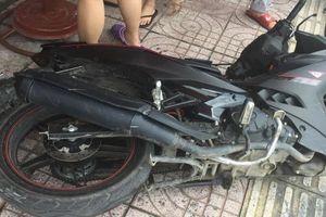 4 thanh niên trộm xe máy bị hiệp sĩ phát hiện ngăn chặn