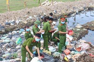 Nghệ An: Bắt quả tang đối tượng tàng trữ trái phép 100 kg pháo lậu