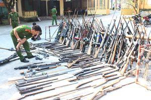 Nghệ An tiếp tục tiêu hủy hàng trăm khẩu súng tự chế