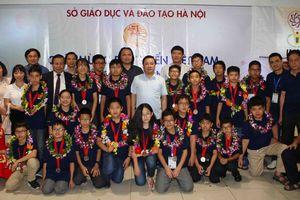 Rạng rỡ ngày về của các thí sinh Việt Nam sau thành công tại IMSO 2018