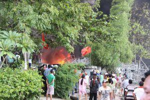 Huế: Cháy lớn tại kho hàng công ty ghế đan sợi nhựa xuất khẩu châu Âu