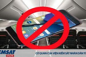 Yêu cầu siết chặt việc sử dụng điện thoại trên các chuyến bay
