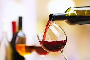 Thay vì có lợi, uống 1 ly rượu vang mỗi ngày có thể khiến bạn chết sớm