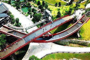 Dân mạng mê tít với màn tỏ tình tại cây cầu tình yêu ở Hạ Long