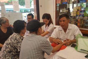 Hơn 600 người cao tuổi TP Nam Định được khám bệnh, tư vấn sức khỏe, cấp thuốc miễn phí