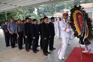 Tổng Liên đoàn Lao động Việt Nam viếng nguyên Tổng Bí thư Đỗ Mười