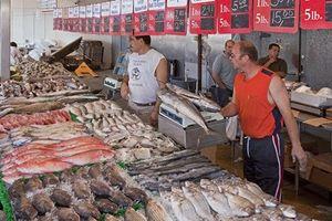 Bên trong chợ cá hơn 200 tuổi nằm giữa Washington