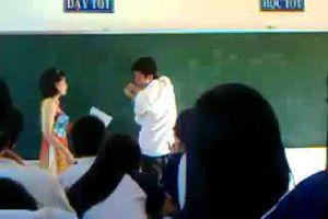 Tin nóng giáo dục: Tranh cãi việc phạt tiền nếu xúc phạm học sinh
