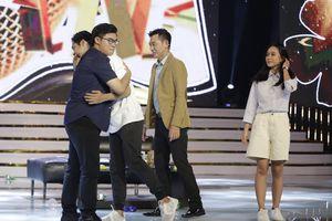 Băng Đăng – Hương Giang khiến Giám khảo 'Én Vàng Học Đường' rơi nước mắt