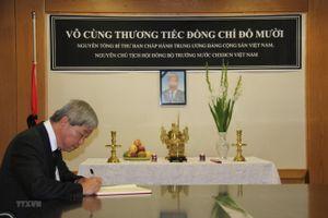Hình ảnh lễ viếng, mở sổ tang nguyên Tổng Bí thư Đỗ Mười tại các nước