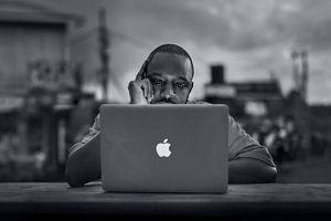 Macbook và iMac sẽ bị khóa nếu người dùng mang đi sửa chữa bên ngoài?
