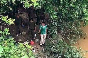 Bác sĩ giết vợ phi tang: Tìm thấy thi thể bên sông Trung Quốc