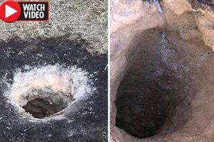 Hố sâu bí ẩn, tự phát ra lửa khiến các nhà khảo cổ choáng váng