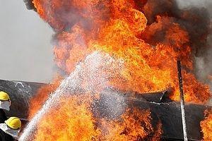 Xe bồn chở dầu phát nổ, 150 người thương vong