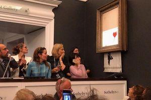 Bức họa nổi tiếng bất ngờ tự hủy sau khi được bán với giá 1 triệu bảng