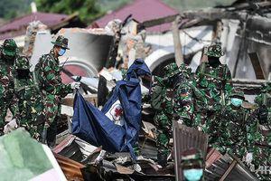 Tìm thấy thêm thi thể sau thảm họa Indonesia, bệnh dịch có thể bùng phát