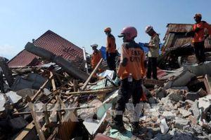 Gần 2.000 người thiệt mạng do động đất, sóng thần ở Trung Sulawesi, Indonesia