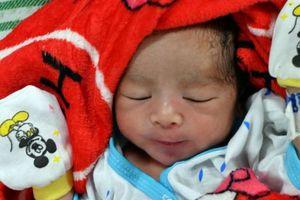 Những em bé chào đời sau thảm họa động đất, sóng thần ở Indonesia