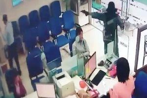 An ninh nhà băng: Hai năm, Thống đốc Lê Minh Hưng hai lần phải chỉ đạo phòng chống cướp