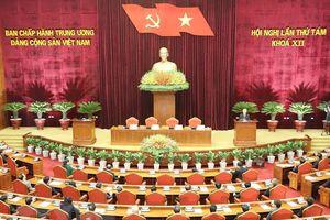 Người dân quan tâm Hội nghị lần thứ 8 Ban Chấp hành Trung ương Đảng khóa XII