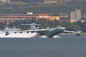Do đâu Nga đột ngột hồi sinh Beriev A-40, 'quái thú diệt tàu ngầm' lớn nhất thế giới?