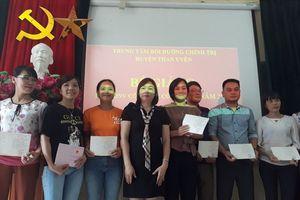Lai Châu: LĐLĐ huyện Than Uyên tập huấn nghiệp vụ cho 68 cán bộ công đoàn