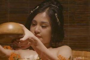 Tân Kim Bình Mai bản Việt gây sốc với cảnh tắm nude, cưỡng hiếp
