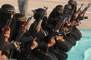 Kinh ngạc 'đội quân tóc dài' phô diễn sức mạnh tại Dải Gaza