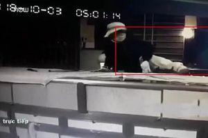 Clip: Toàn cảnh vụ cướp 100 cây vàng chỉ trong gần 2 phút ở Đồng Nai